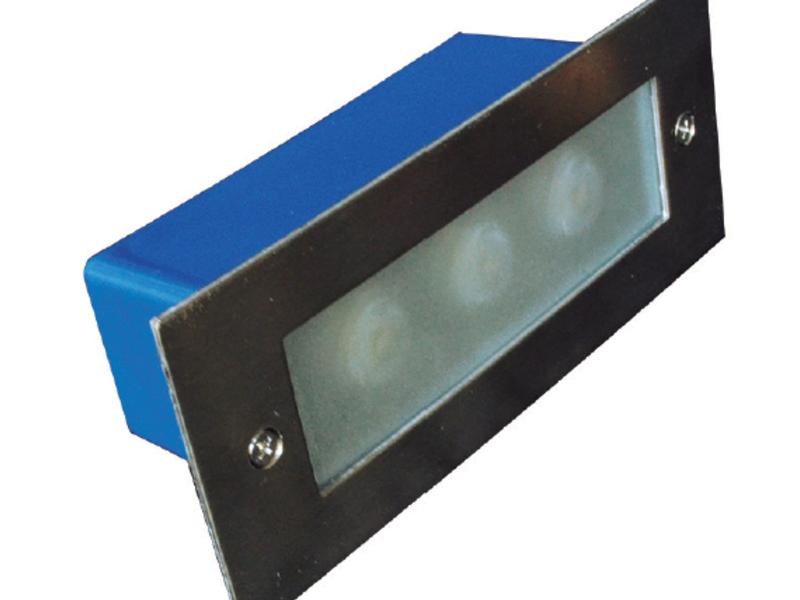 Luminaria LED empotrada muro Vega