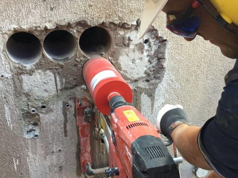 Perforaciones en hormigón con testiguera