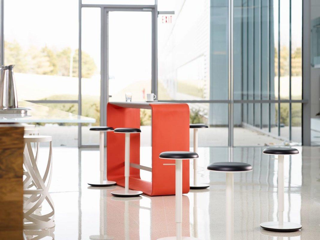 TILT stool | BRWN