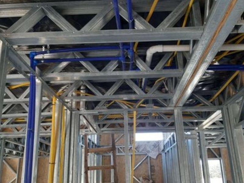 Paneles de Steel Framing e instalaciones elec